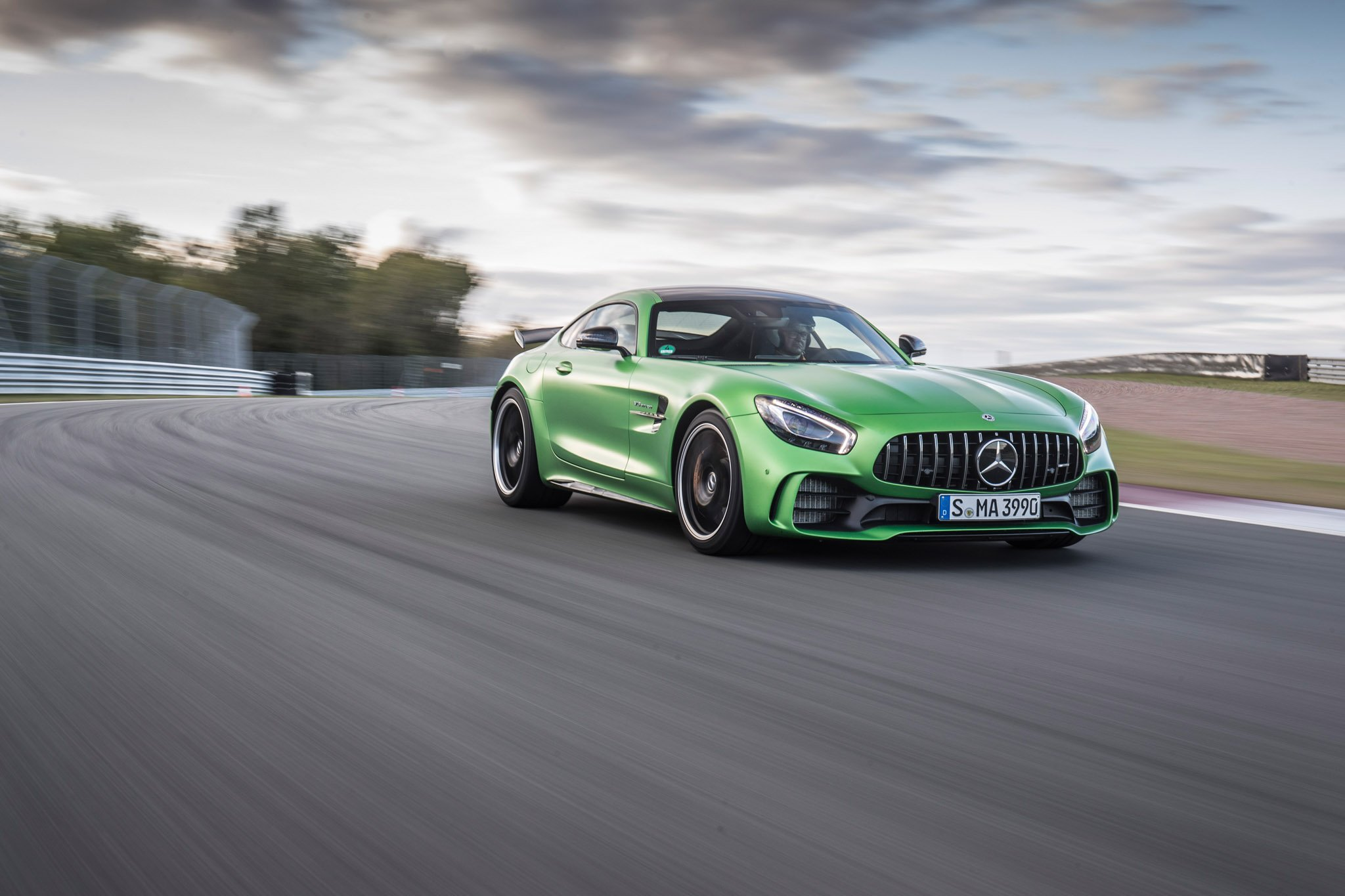 2018 Mercedes AMG GT R Background Wallpaper