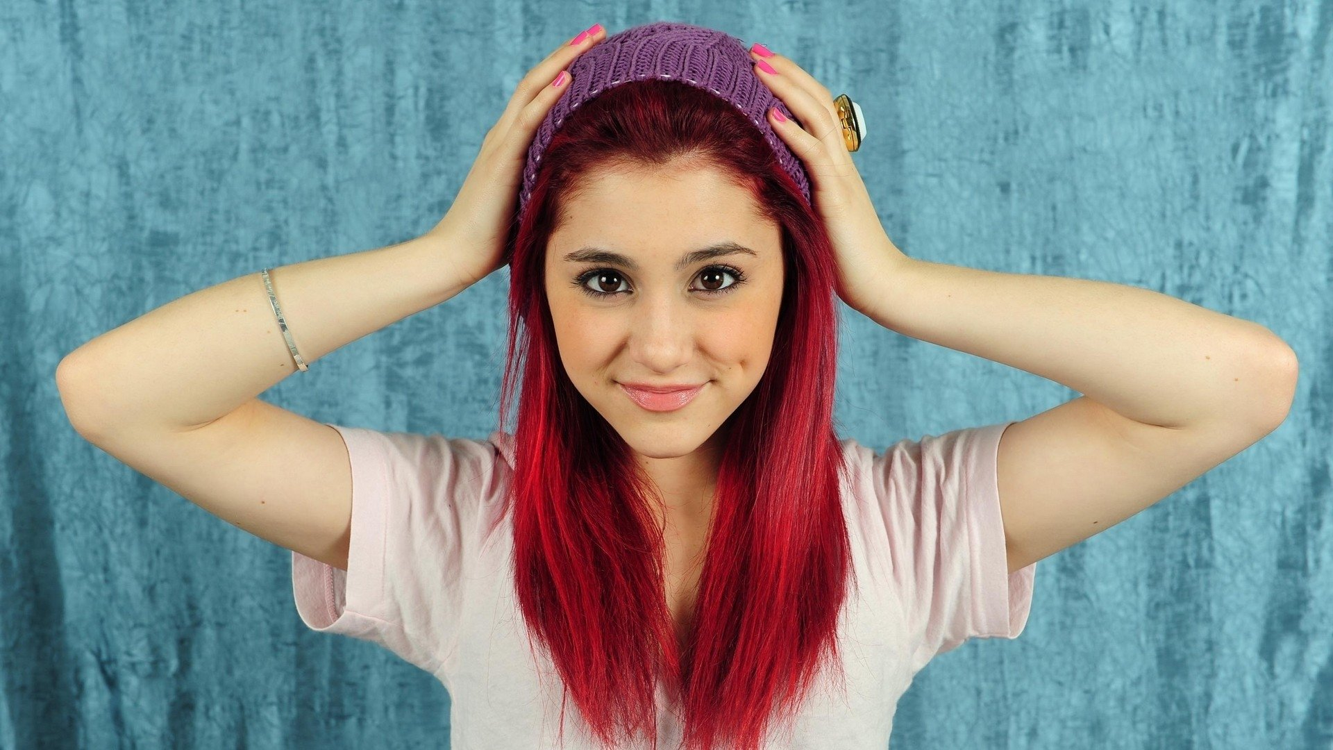 Ariana Grande Cool Hair Color