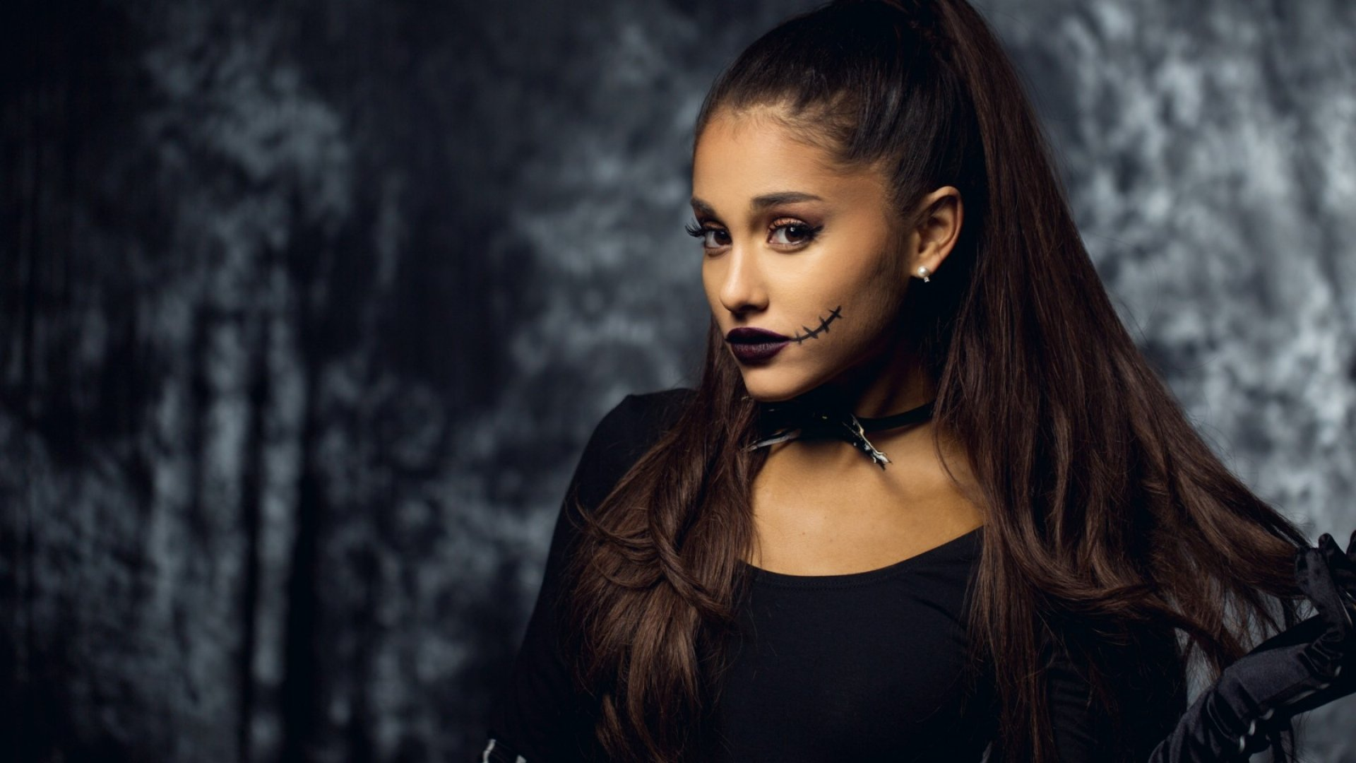 Ariana Grande scary makeup wallpaper 1920x1080