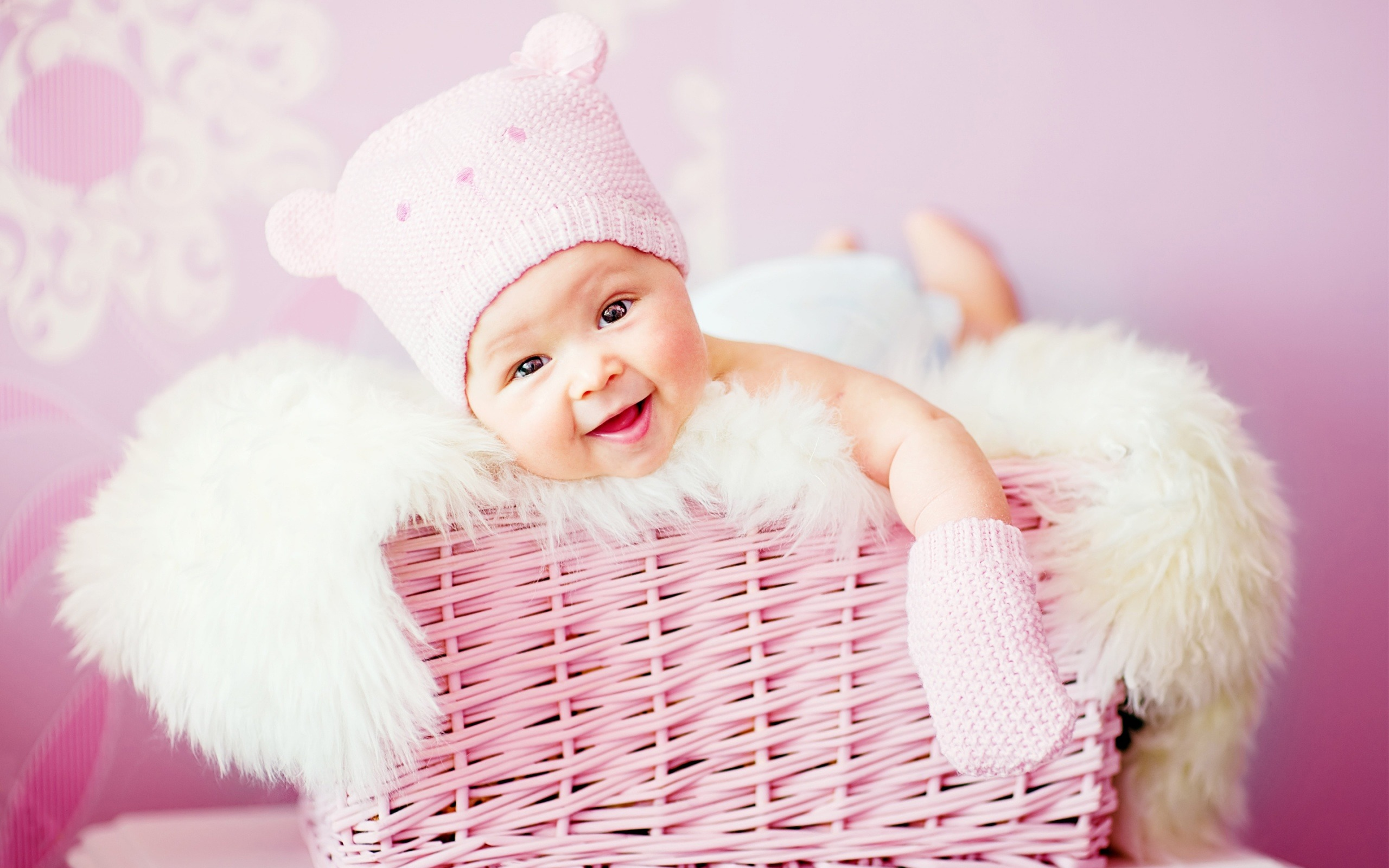 Cute Smiling Baby Photo Shoot Wallpaper for Desktop