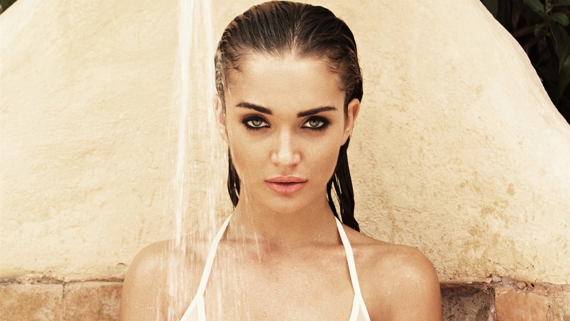 Amy Jackson Hot Wallpaper 1920x1080
