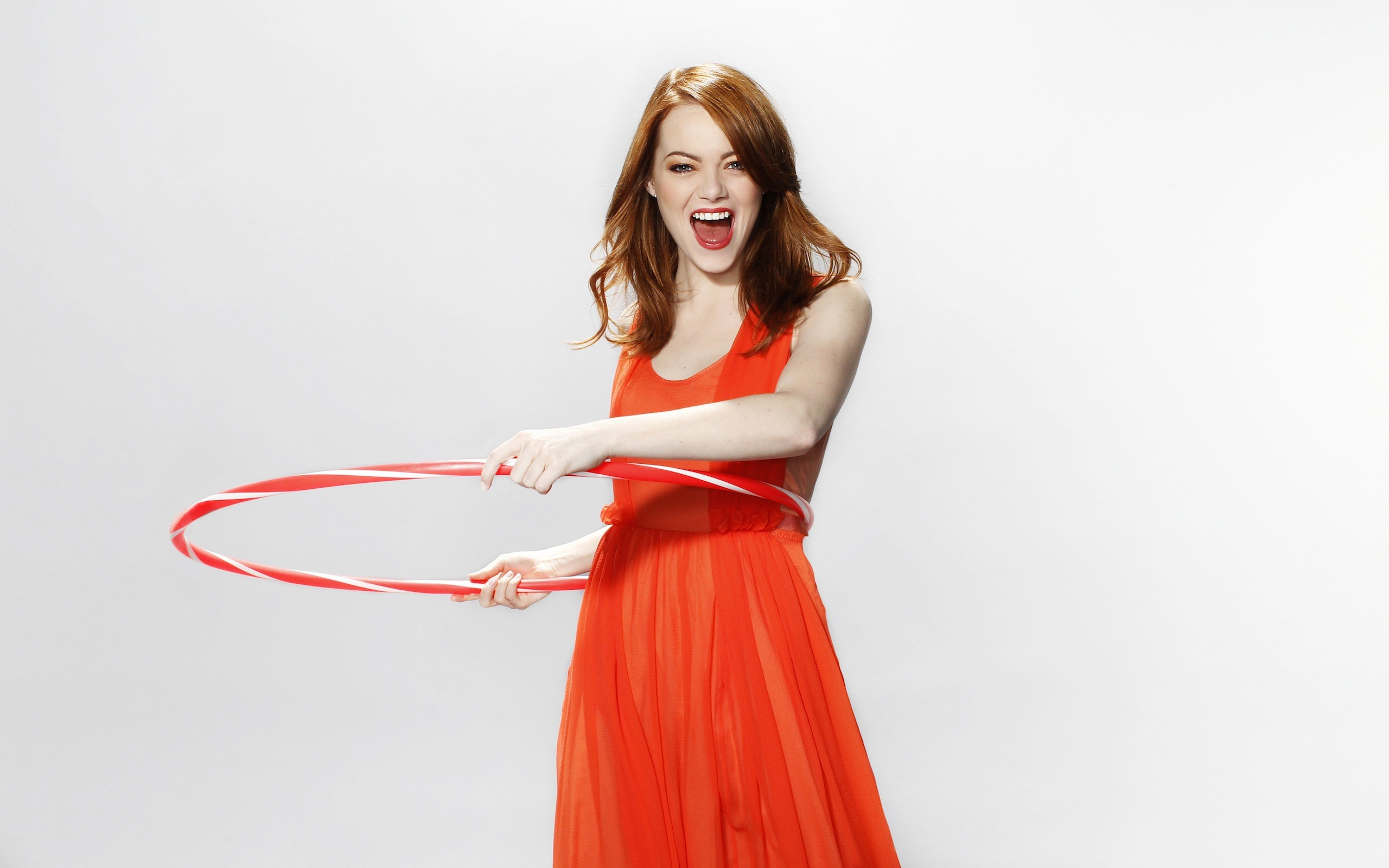 Emma Stone Red Dress Photos