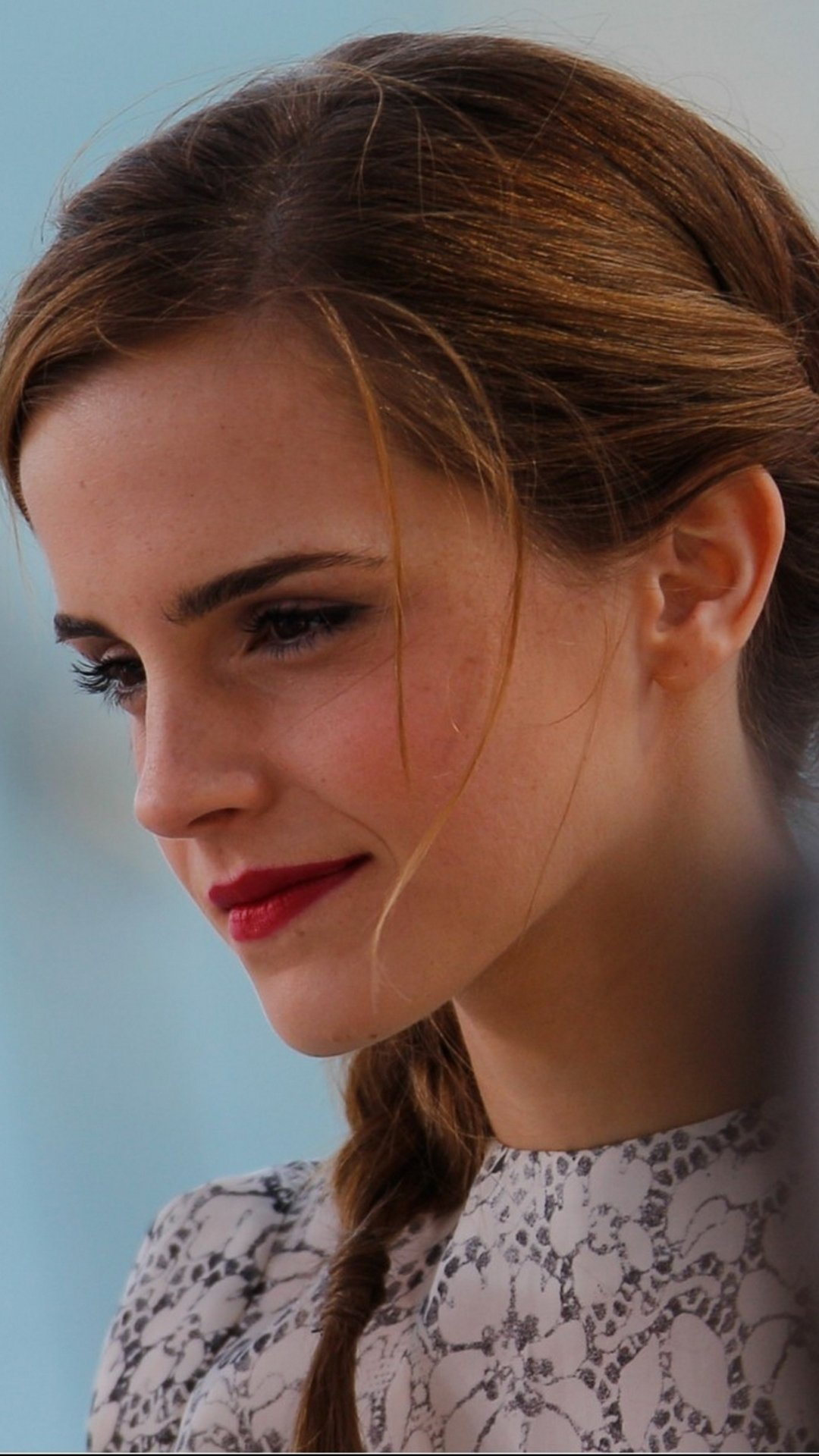 Emma Watson iPhone Wallpaper