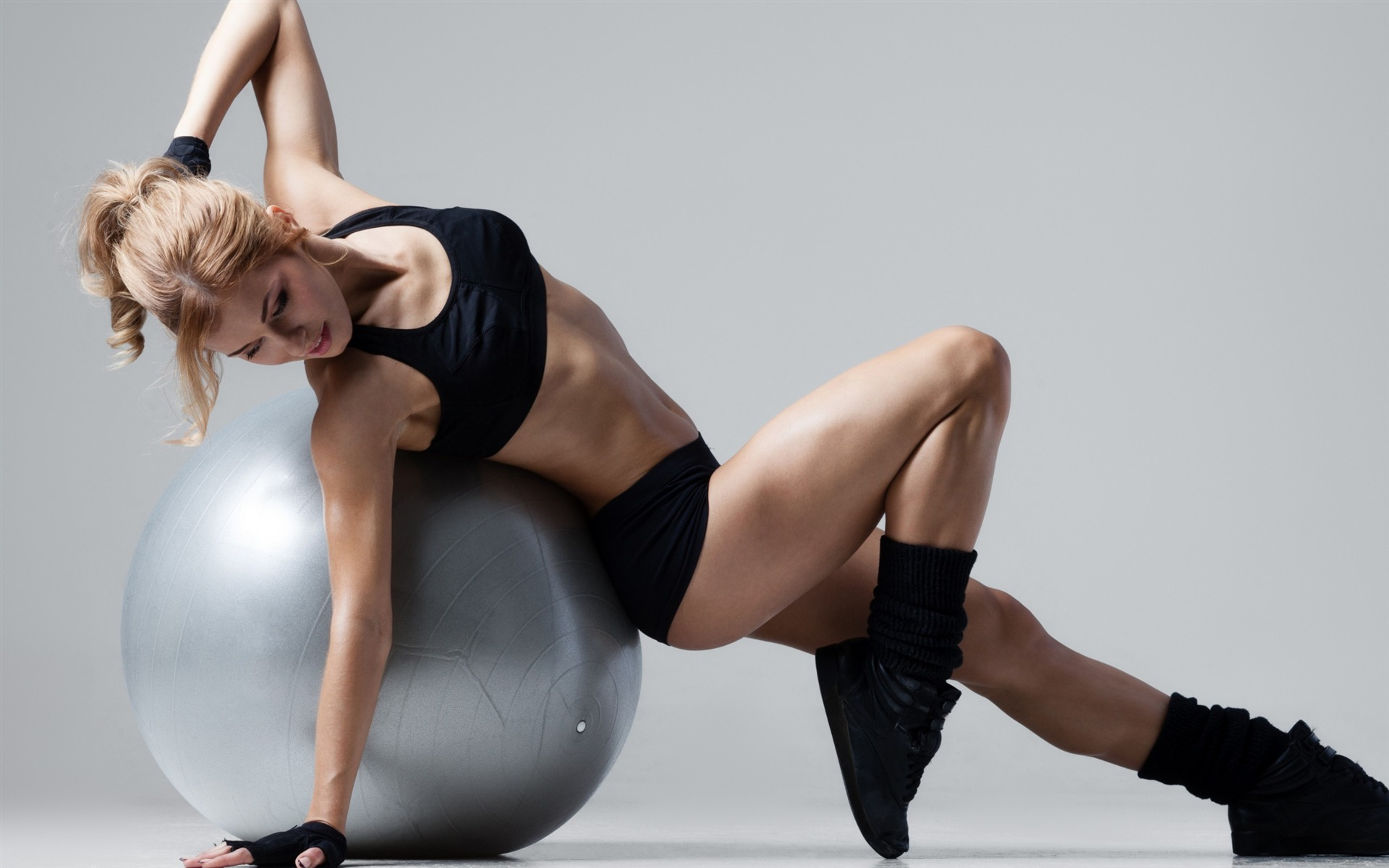 Fit Girl weight loss gym ball-fitness photo high quality 1920x1200