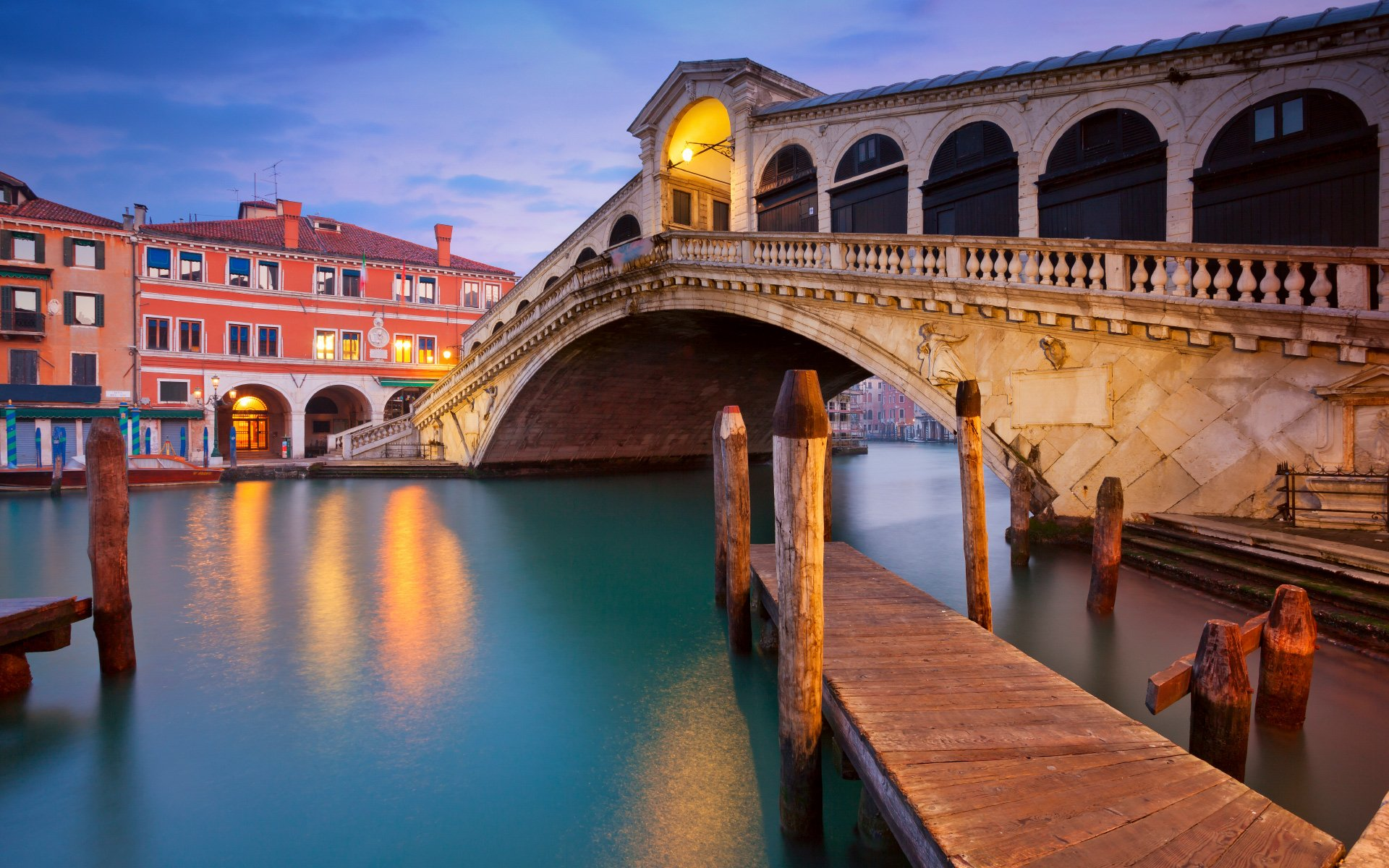 Rialto Bridge in Venice Image HD Wallpapers