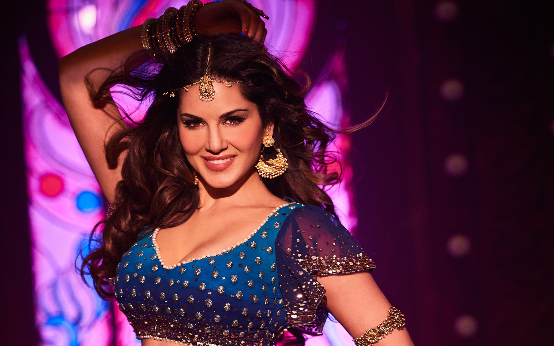 Sunny Leone Song Dance Photos Wallpapers