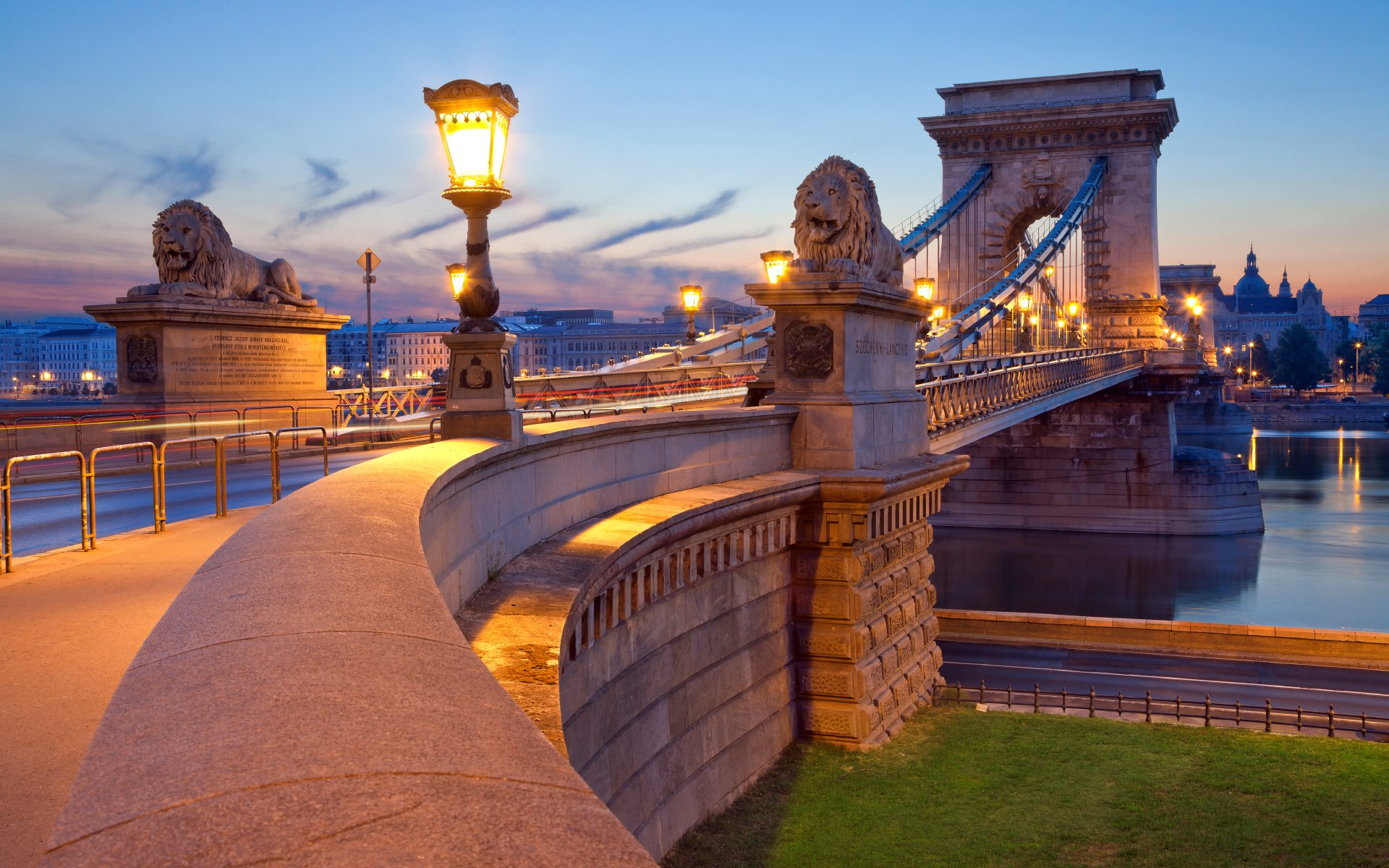 The Chain Bridge in Budapest in the Evening Photos HD Wallpapers
