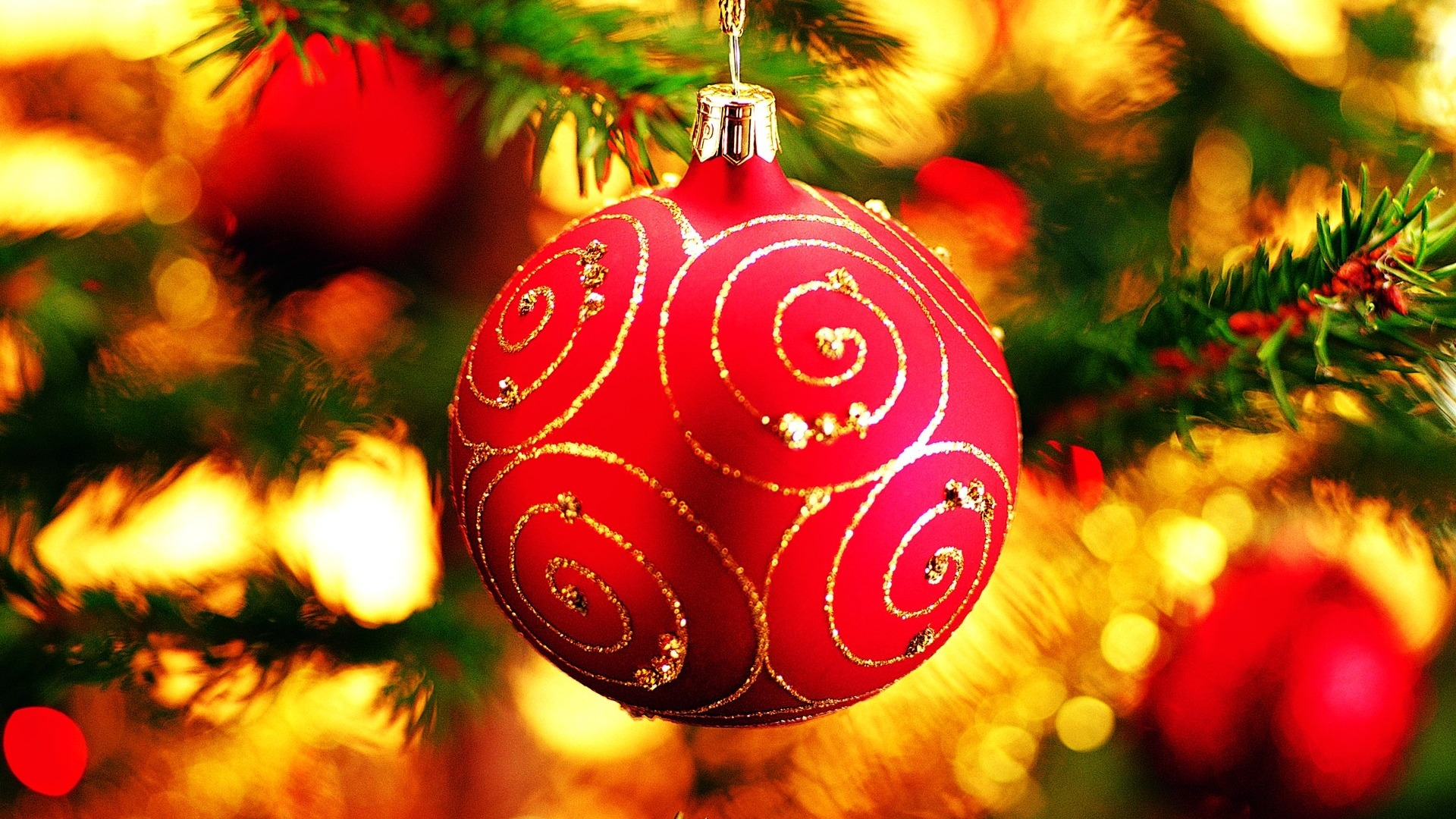 Christmas tree decoration ball ornaments Wallpaper 1920x1080