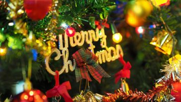Merry Christmas tree decorations HD Wallpaper 1920x1080