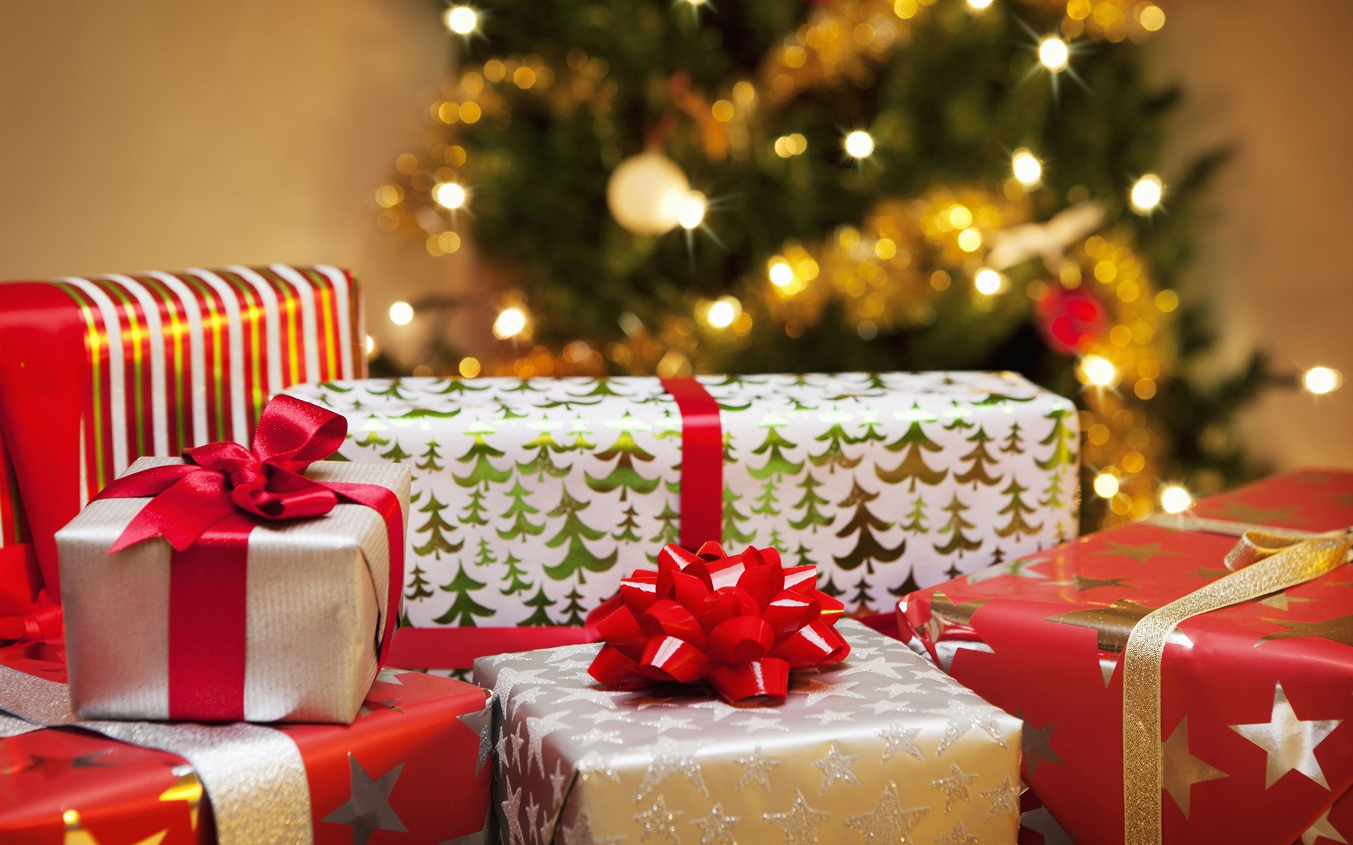 2018 Christmas day gifts for kids Wallpaper 1920x1200